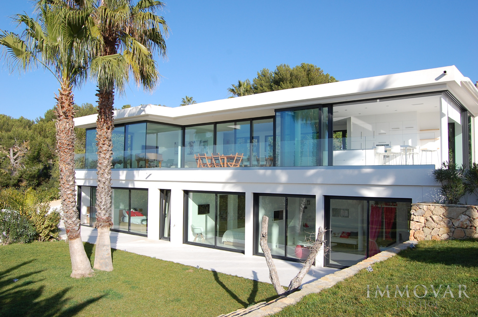 Vente villas luxe st cyr sur mer bandol sanary sur mer piscine jardin vue mer for Villa luxe mer